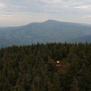 Vendula Kalocsányiová na vrcholu Malý Smrk (7.10.2018 15:15)