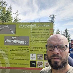 Tomík na vrcholu Jaskinia Malinowska (5.9.2021 13:44)