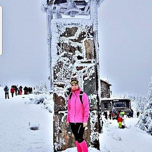 Andy Navrátil Zrnková na vrcholu Šerák (9.1.2021 12:59)