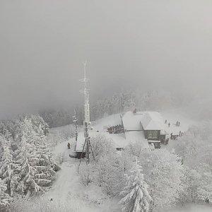 Zuzana na vrcholu Veľký Javorník (17.1.2021 12:00)