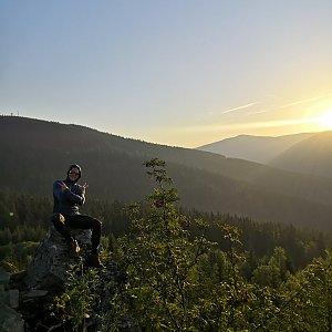 Tomáš Vašíček na vrcholu Harrachova skála (7.8.2020 5:00)