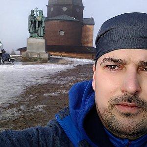 Petr Kowolowski na vrcholu Radhošť (5.1.2018 12:02)