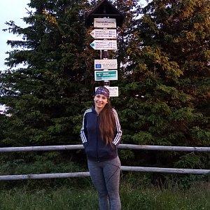 Daniela na vrcholu Radhošť (24.7.2020 5:19)