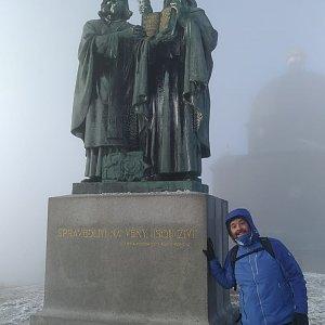 Jakub Špaček na vrcholu Radhošť (17.12.2020 12:47)