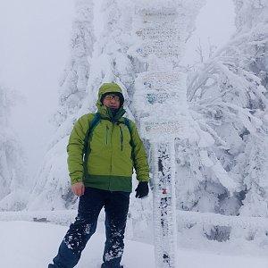 Pery na vrcholu Radhošť (8.1.2019 13:42)