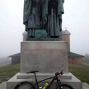 Vítězslav Vrána na vrcholu Radhošť (27.4.2019 17:59)