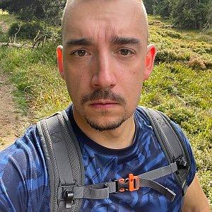 Vít Gruner na vrcholu Mravenečník (12.9.2021 14:07)