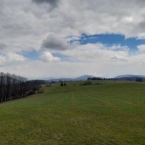 Milan Meravy na vrcholu Kocmínek SZ (4.4.2021 13:37)