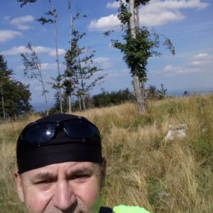 Li Be na vrcholu Stanovec - S (8.9.2021 13:26)