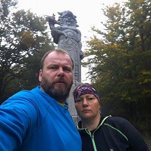Martin a Jana Halamíčkovi na vrcholu Radegast (29.9.2019 8:53)