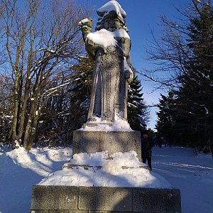 invader na vrcholu Radegast (2.1.2020 14:23)