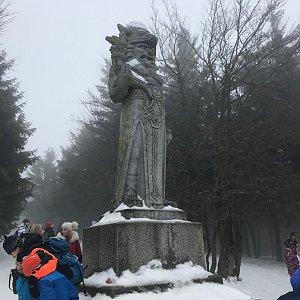 Terez Valčíková na vrcholu Radegast (11.1.2020 11:53)