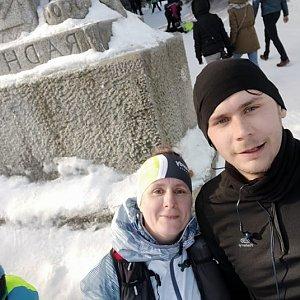 Laina666 na vrcholu Radegast (12.1.2020 11:40)