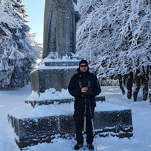 Jiří Gryz na vrcholu Radegast (9.2.2020 10:33)