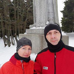 Dana + jirka na vrcholu Radegast (16.2.2020 8:09)