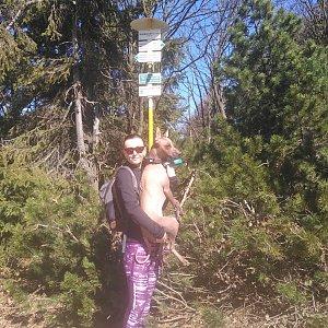 Michelle Sýkorová na vrcholu Radegast (8.4.2020 11:46)