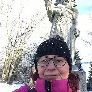 Kamila  Petrová na vrcholu Radegast (12.1.2020 13:45)