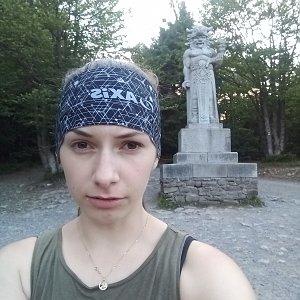 Daniela na vrcholu Radegast (24.7.2020 6:11)