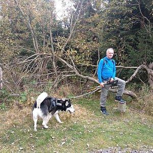Joch a Dingo na vrcholu Radegast (10.10.2020 15:31)