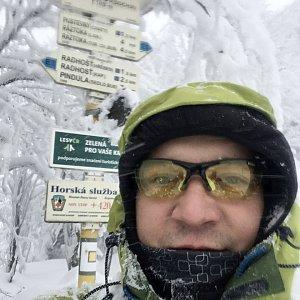Pery na vrcholu Radegast (8.1.2019 11:21)