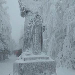 Aleš Cahlík na vrcholu Radegast (13.1.2019 11:24)