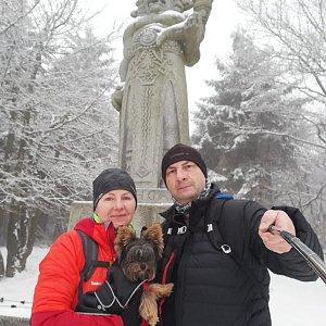 Dana + jirka na vrcholu Radegast (7.2.2021 8:10)