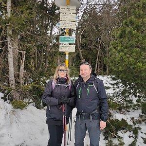 Jiří a Iveta na vrcholu Radegast (24.4.2021 12:04)