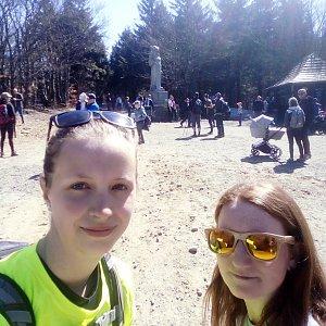 V+V Soklíci na vrcholu Radegast (19.4.2019 11:21)