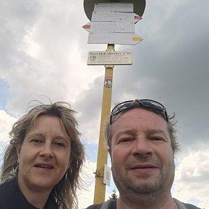 Jiří a Iveta na vrcholu Stratenec (10.6.2021 12:11)