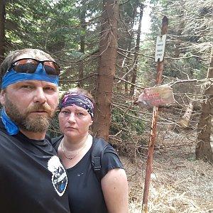 Martin a Jana Halamíčkovi na vrcholu Malý Travný (25.8.2019 11:53)