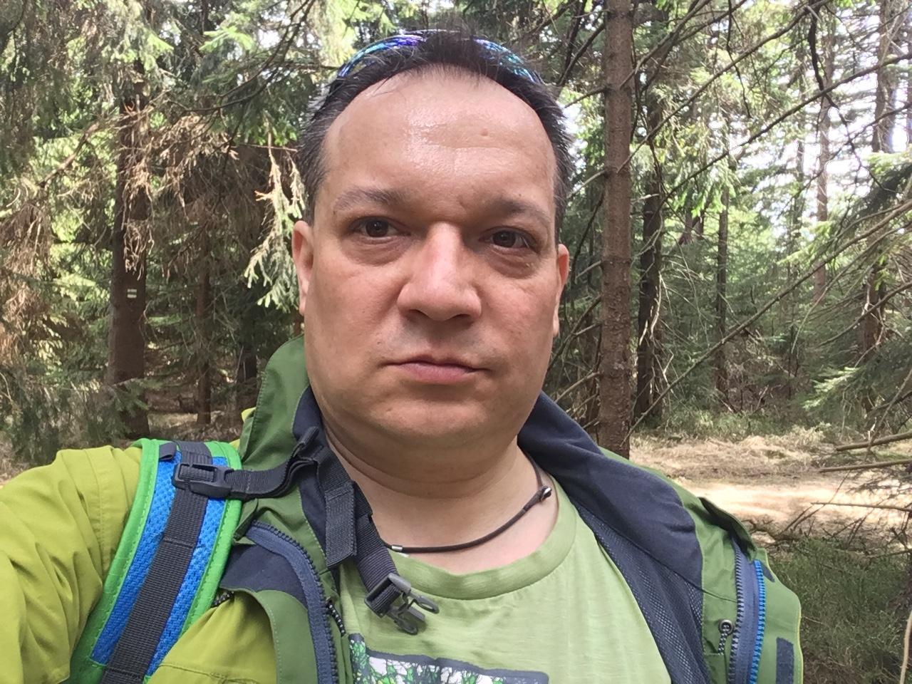 Pery na vrcholu Malý Travný (15.4.2018 13:28)