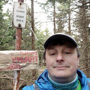 Roman Grebenar na vrcholu Malý Travný (25.4.2020 15:08)