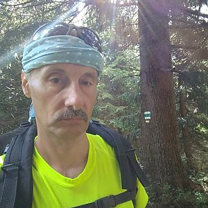 Jiří Sumbal na vrcholu Malý Travný (12.8.2018 9:56)