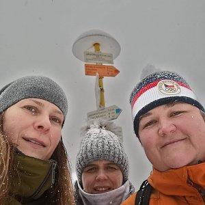 Lucie Hrošík Hejnalová na vrcholu Malý Javorový (27.1.2021 12:00)