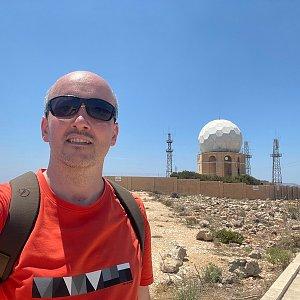 koc256 na vrcholu Ta' Dmejrek (13.6.2021 13:37)