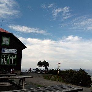 Iva Purmenská na vrcholu Velký Javorník (16.4.2020 17:02)