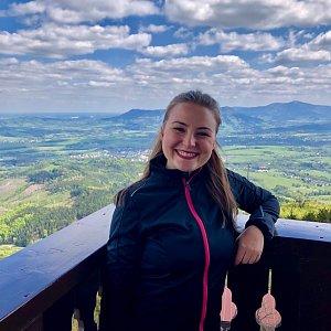 Nicole na vrcholu Velký Javorník (8.5.2019 11:23)