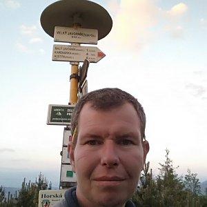Michal Krčmář na vrcholu Velký Javorník (8.6.2019 20:32)