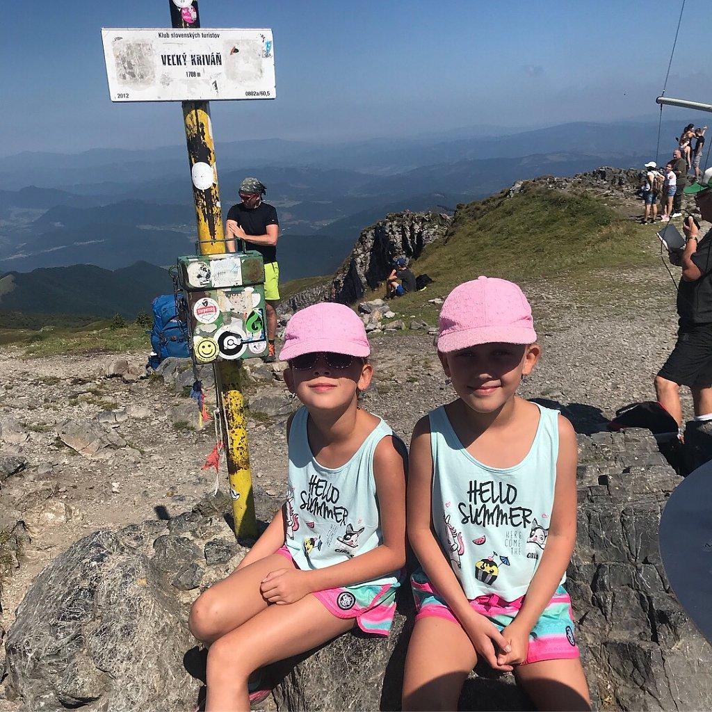 Barbora Dreslerová na vrcholu Veľký Kriváň (4.8.2018 10:45)