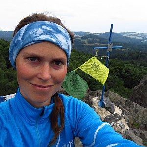 Iveta Válová na vrcholu Stříbrný vrch (20.7.2021)