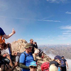 Petr Papcun na vrcholu Pain de Sucre (4.7.2016 11:44)